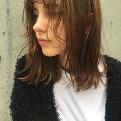 ハイライト ヘアアレンジ セミロング 大人女子 ヘアスタイルや髪型の写真・画像