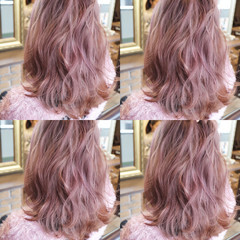 グレージュ フェミニン 透明感 ラベンダーピンク ヘアスタイルや髪型の写真・画像