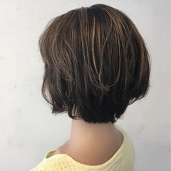 ショート アッシュグレージュ モード ハイライト ヘアスタイルや髪型の写真・画像