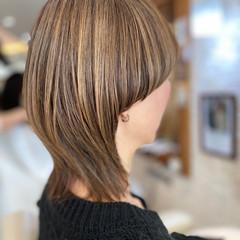 ハイライト 3Dハイライト ミディアム ウルフカット ヘアスタイルや髪型の写真・画像