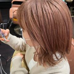 ナチュラル モテボブ 外ハネボブ ハイトーンカラー ヘアスタイルや髪型の写真・画像