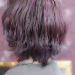 チェリーレッド レッド ショート ハイライト ヘアスタイルや髪型の写真・画像