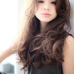 ゆるふわ 大人かわいい パーマ アッシュ ヘアスタイルや髪型の写真・画像