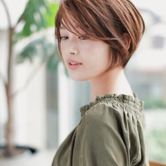 ショート 小顔 こなれ感 似合わせ ヘアスタイルや髪型の写真・画像