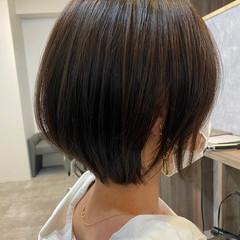 グレージュ ショート アッシュグレージュ ナチュラル ヘアスタイルや髪型の写真・画像