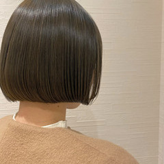 お手入れ簡単!! 切りっぱなしボブ ショートヘア 簡単スタイリング ヘアスタイルや髪型の写真・画像