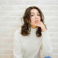 外国人風 黒髪 パーマ ロング ヘアスタイルや髪型の写真・画像