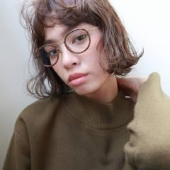パーマ 外ハネ 外国人風 ウェーブ ヘアスタイルや髪型の写真・画像