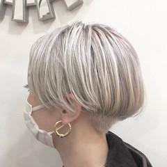 ショートボブ グラデーションカラー ナチュラル ハイトーンカラー ヘアスタイルや髪型の写真・画像