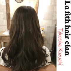 ナチュラル ロング アッシュ ヘアスタイルや髪型の写真・画像