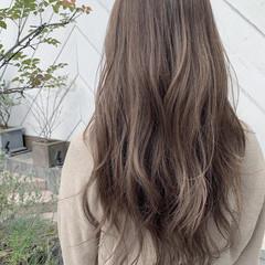 ロング ナチュラル 寒色 ハイライト ヘアスタイルや髪型の写真・画像