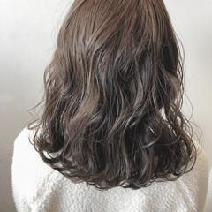 ハイライト 波ウェーブ ガーリー 外国人風カラー ヘアスタイルや髪型の写真・画像