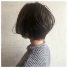 ナチュラル アンニュイほつれヘア 前下がりショート ゆるふわ ヘアスタイルや髪型の写真・画像