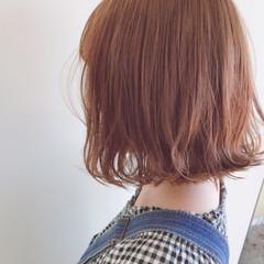 艶髪 切りっぱなし ウェーブ ナチュラル ヘアスタイルや髪型の写真・画像