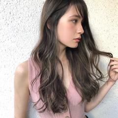 ロング 外国人風 グレージュ ハイライト ヘアスタイルや髪型の写真・画像