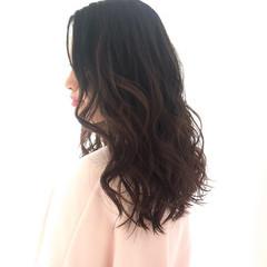 大人ヘアスタイル 大人かわいい ロングヘアスタイル ゆるふわパーマ ヘアスタイルや髪型の写真・画像