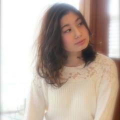 ゆるふわ 愛され フェミニン セミロング ヘアスタイルや髪型の写真・画像