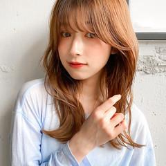 ミディアム パーマ ベージュカラー アッシュベージュ ヘアスタイルや髪型の写真・画像