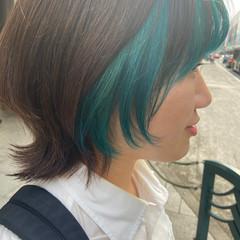 ターコイズ ターコイズブルー ブリーチ インナーカラー ヘアスタイルや髪型の写真・画像