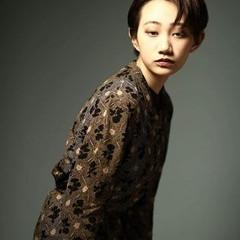 グレージュ モード 暗髪 透明感 ヘアスタイルや髪型の写真・画像