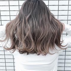 セミロング 大人かわいい 透明感 艶髪 ヘアスタイルや髪型の写真・画像