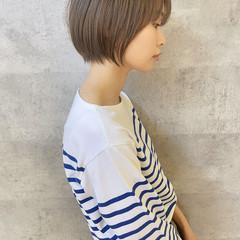 ショートヘア ナチュラル ショート アンニュイほつれヘア ヘアスタイルや髪型の写真・画像
