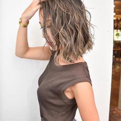 外国人風 ハイライト バレイヤージュ ストリート ヘアスタイルや髪型の写真・画像