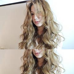 ゆるふわ コンサバ ロング パーマ ヘアスタイルや髪型の写真・画像