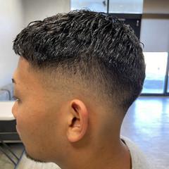 ショート 刈り上げ スキンフェード パーマ ヘアスタイルや髪型の写真・画像