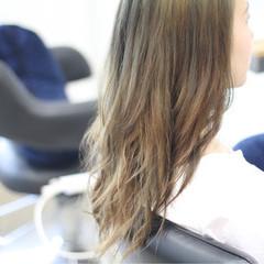 ロング 透明感 秋 イルミナカラー ヘアスタイルや髪型の写真・画像