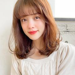 レイヤーカット セミロング 小顔 ゆるふわパーマ ヘアスタイルや髪型の写真・画像