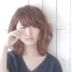 外国人風 ミディアム ピュア 大人かわいい ヘアスタイルや髪型の写真・画像