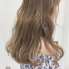グレージュ ヌーディーベージュ アッシュ 外国人風カラー ヘアスタイルや髪型の写真・画像