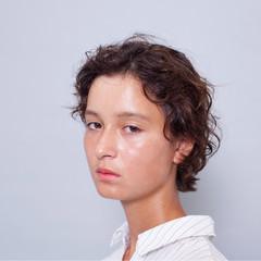 パーマ マニッシュ ショート モード ヘアスタイルや髪型の写真・画像