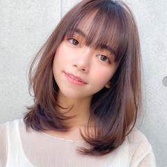 ミディアム レイヤー レイヤーカット 小顔 ヘアスタイルや髪型の写真・画像