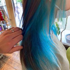 ブルー ミディアム ナチュラル ブリーチ ヘアスタイルや髪型の写真・画像