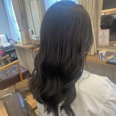 ゆるふわ ナチュラル セミロング アッシュグレー ヘアスタイルや髪型の写真・画像