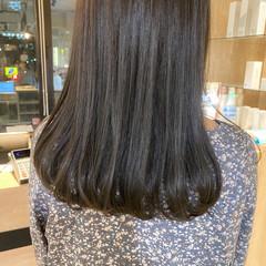 透明感カラー ミディアム アッシュベージュ グレージュ ヘアスタイルや髪型の写真・画像