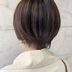 ショート ナチュラル 大人ショート ショートボブ ヘアスタイルや髪型の写真・画像