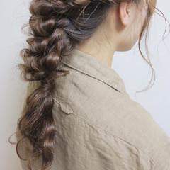 ロング セミロング ナチュラル ベージュ ヘアスタイルや髪型の写真・画像