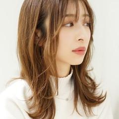 レイヤー 透明感カラー レイヤースタイル フェミニン ヘアスタイルや髪型の写真・画像