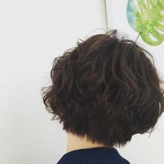 ストリート 大人かわいい ショート アッシュ ヘアスタイルや髪型の写真・画像