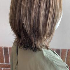 ボブ アッシュグレー ベージュ ハイライト ヘアスタイルや髪型の写真・画像
