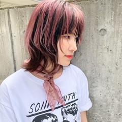 ウルフカット マッシュウルフ ウルフレイヤー ストリート ヘアスタイルや髪型の写真・画像