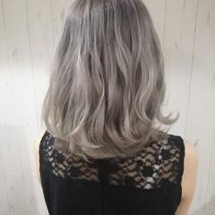 外国人風カラー アッシュ ブリーチ ホワイトアッシュ ヘアスタイルや髪型の写真・画像