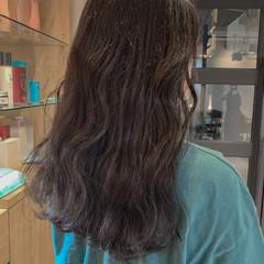 オリーブグレージュ グレージュ セミロング 韓国ヘア ヘアスタイルや髪型の写真・画像