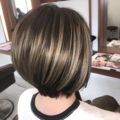 フェミニン ショート 外国人風カラー バレイヤージュ ヘアスタイルや髪型の写真・画像