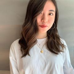 ハイライト ロング グラデーションカラー 外国人風カラー ヘアスタイルや髪型の写真・画像