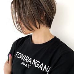 ハイライト バレイヤージュ ストリート ショートヘア ヘアスタイルや髪型の写真・画像