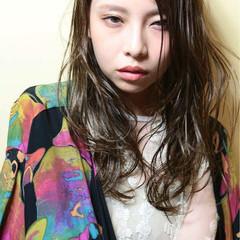 外国人風 フェミニン セミロング ゆるふわ ヘアスタイルや髪型の写真・画像
